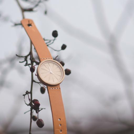 lucus koka rokaspulkstenis sievietēm