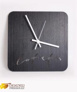 pulkstenis-latvietis
