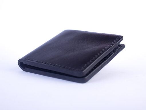 black-bifold-leather-wallet